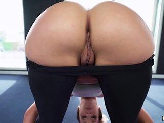 Big Round Ass Jada Stevens Takes Big Cock After Yoga